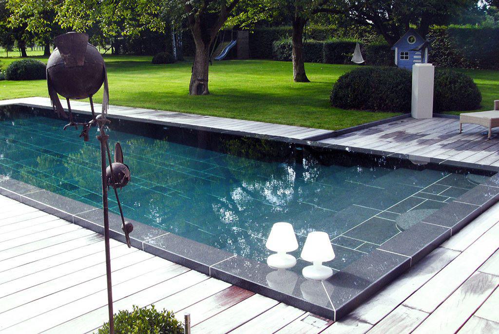 Zwembad van t groene plan genieten door alle seizoenen heen